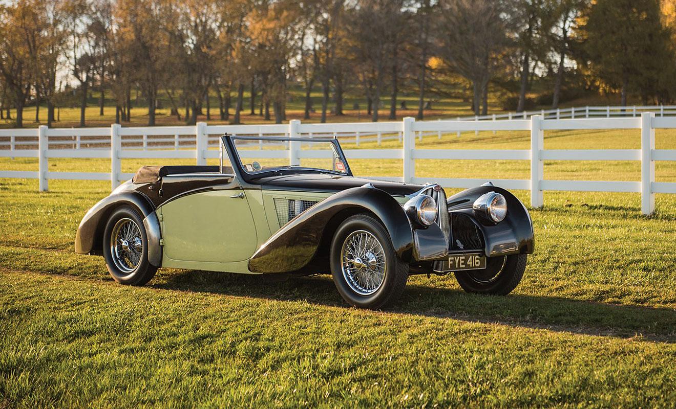Der Bugatti Typ 57S ist das einzige Vorkriegsauto in den Top Ten. RM Sotheby's