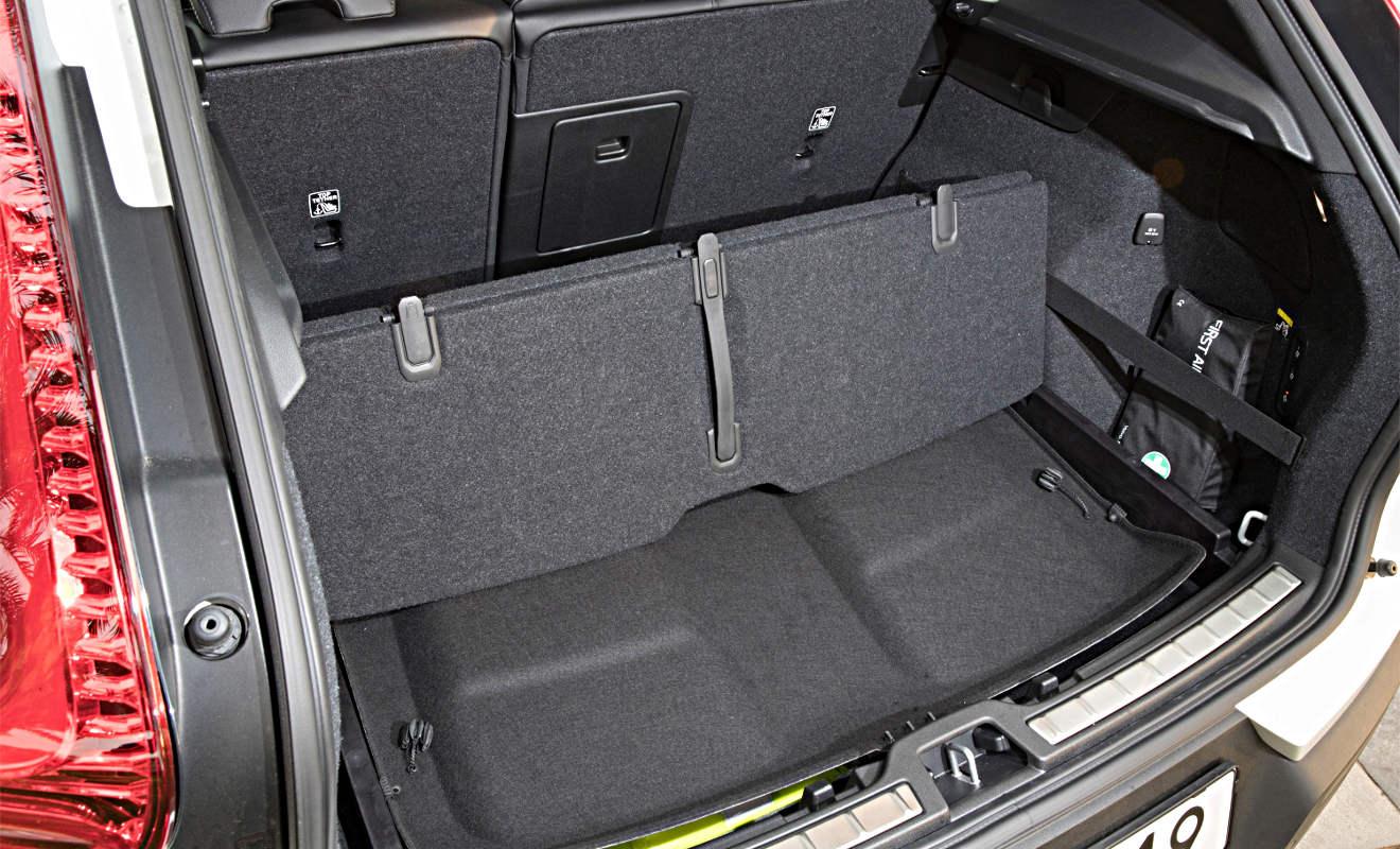 Der Kofferraum des Volvo XC40 bietet pfiffige Ideen. Foto: Volvo