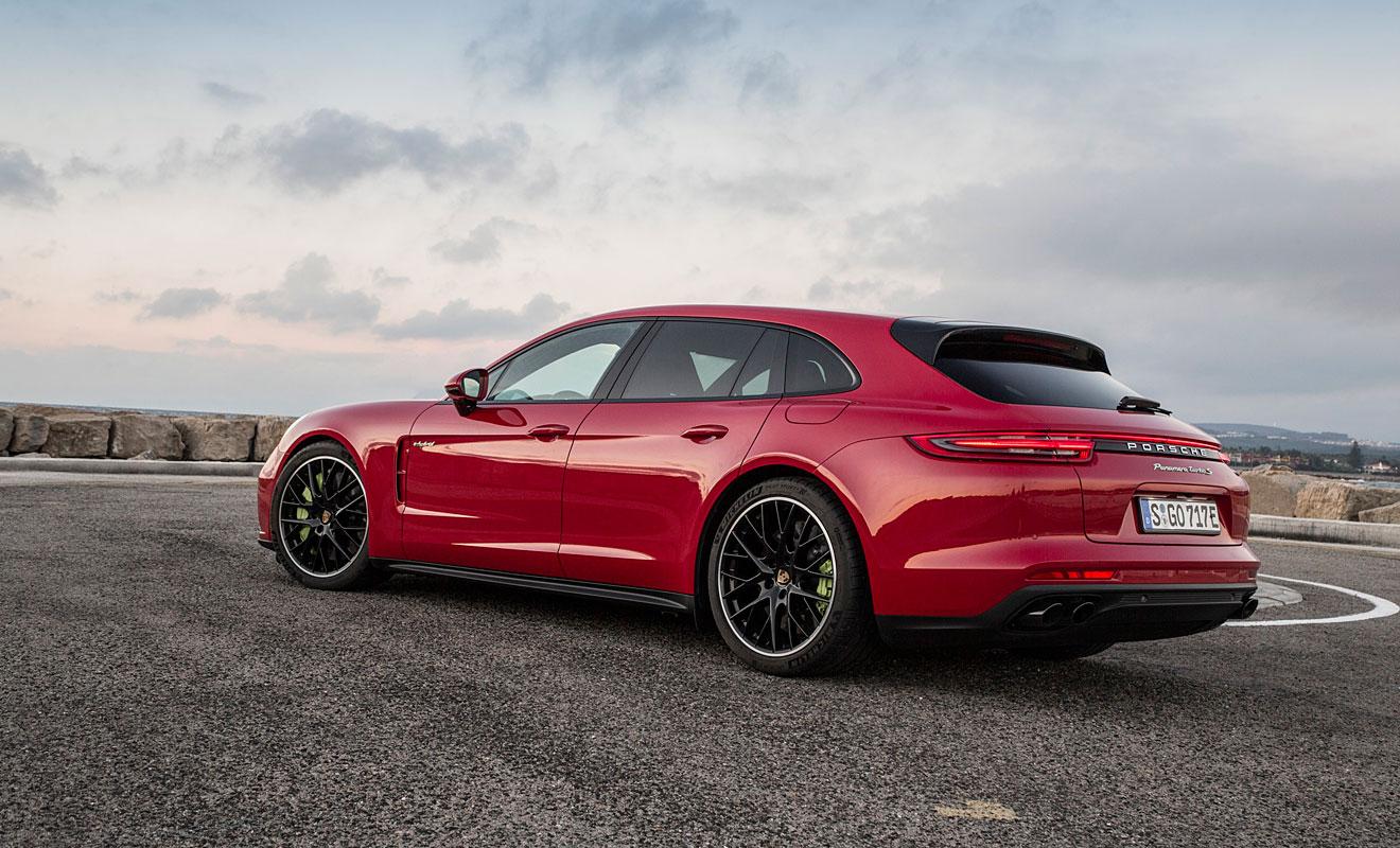 Sportlich zeigt sich der Panamera ST auch von hinten. Foto: Porsche